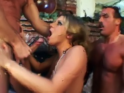 Double team babe gets face covered with cum