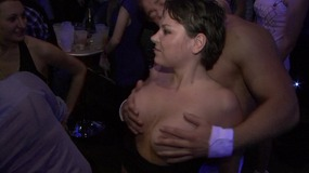 party, club, blowjob, bj, dancing, big, dick, strippers, batang, babae, sa, batang, babae, malaki, tits, natural, tits, brunette, handjob, kulay, ginto, curvy, kissing, fingering