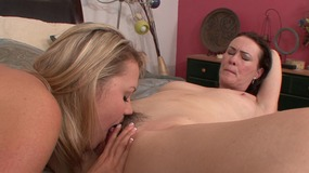 Hot tits blonde sweetie in bed sucking sexy brunette mommy's twat