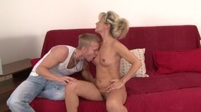 slutty blonde milf lays back to get her.