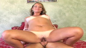 Blonde MILF knows how to suck and fuck a cock to get a cream pie