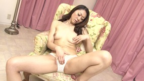 hot japanese chick enjoys getting kinky.