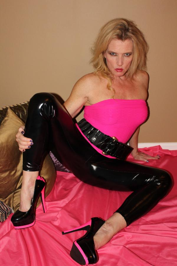 37754-Hot Pink & Black to Keep You Warm!-Amanda Verhooks